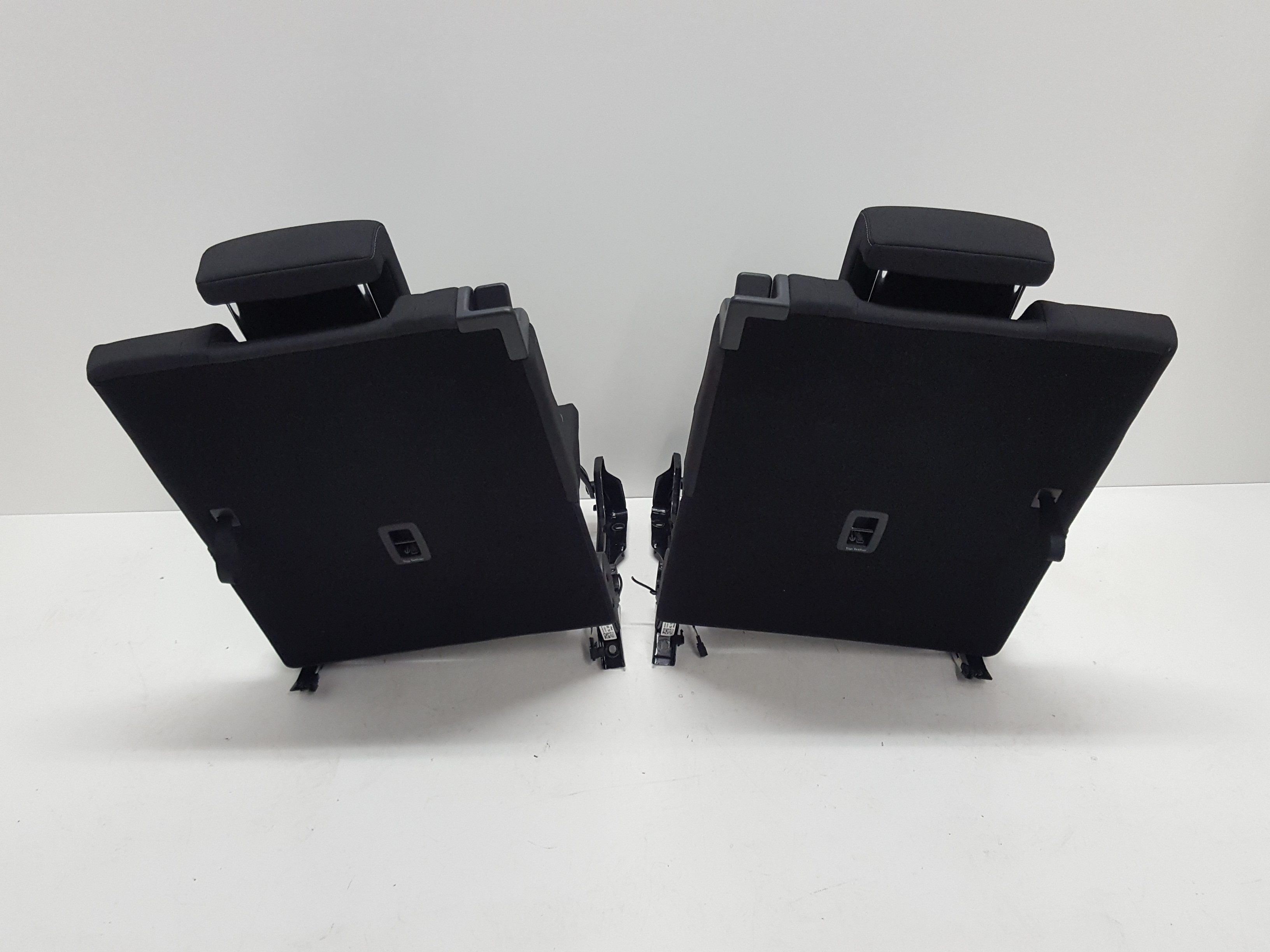 original vw touran 5t r cksitzbank r ckbank sitze 3 reihe. Black Bedroom Furniture Sets. Home Design Ideas
